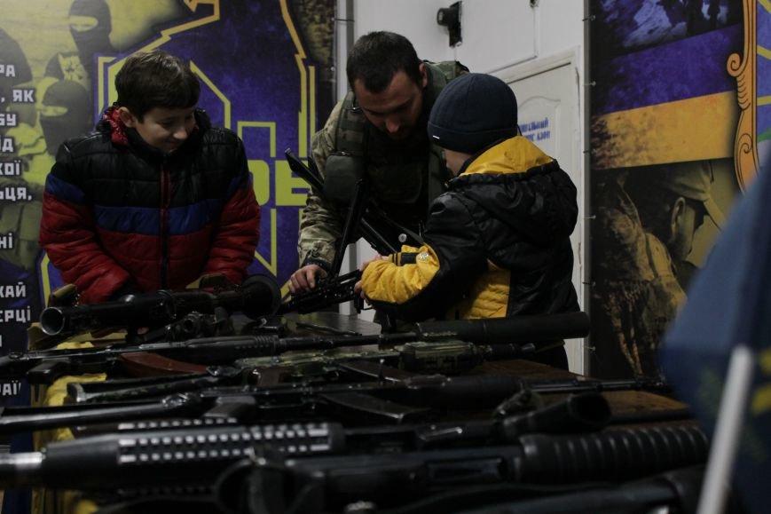 Добропольский ГК «Азов» провел первое занятие по навыкам обращения с оружием (ФОТО), фото-14