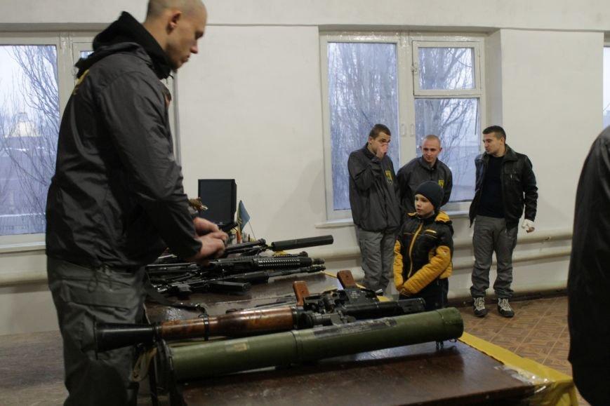 Добропольский ГК «Азов» провел первое занятие по навыкам обращения с оружием (ФОТО), фото-8