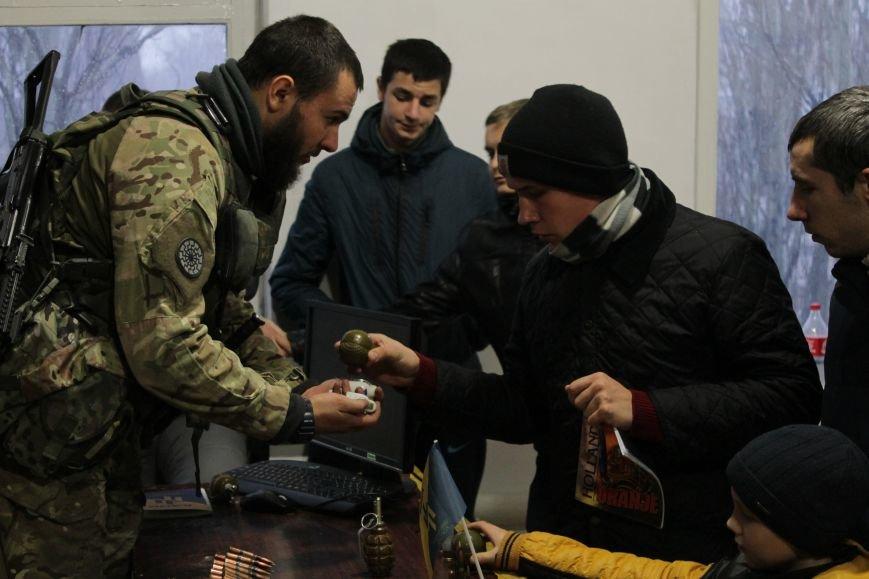 Добропольский ГК «Азов» провел первое занятие по навыкам обращения с оружием (ФОТО), фото-9