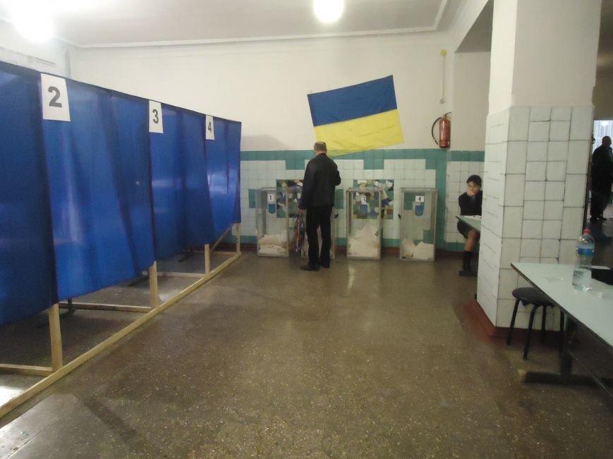 Голосование в Красноармейске: явка избирателей оставляет желать лучшего (фото) - фото 2
