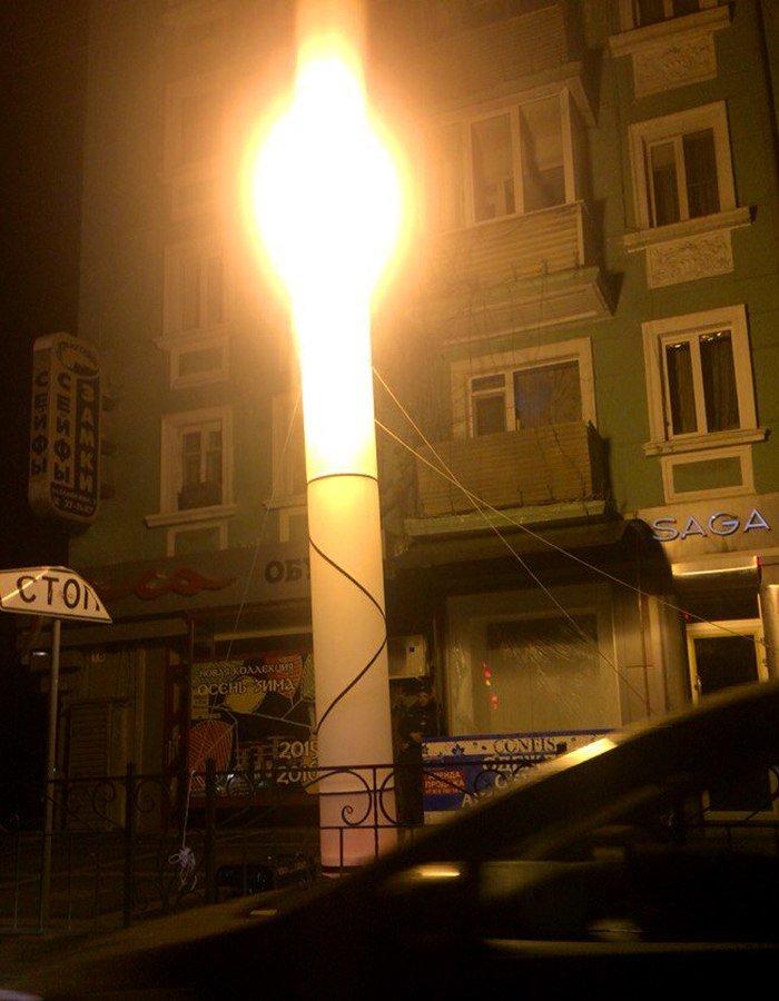 Ночью центр Симферополя освещают гигантские «свечки» (ФОТО, ВИДЕО), фото-2