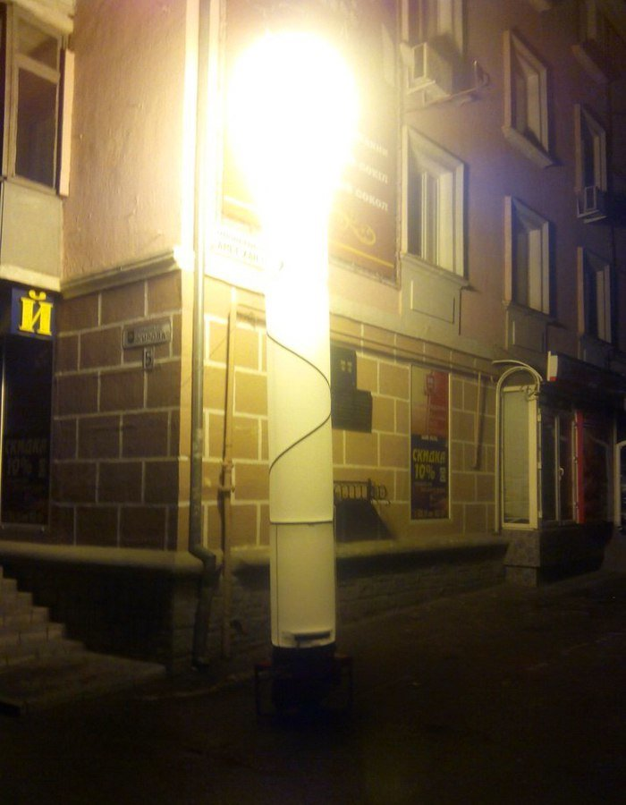 Ночью центр Симферополя освещают гигантские «свечки» (ФОТО, ВИДЕО), фото-3