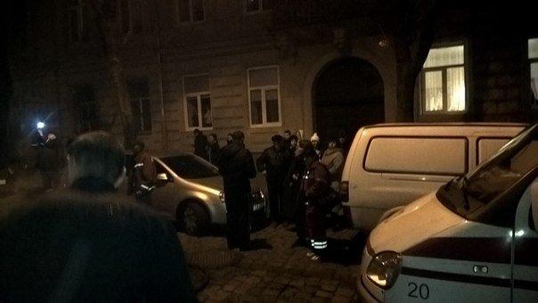 У Львові горить квартира житлового будинку (ФОТО) (фото) - фото 1