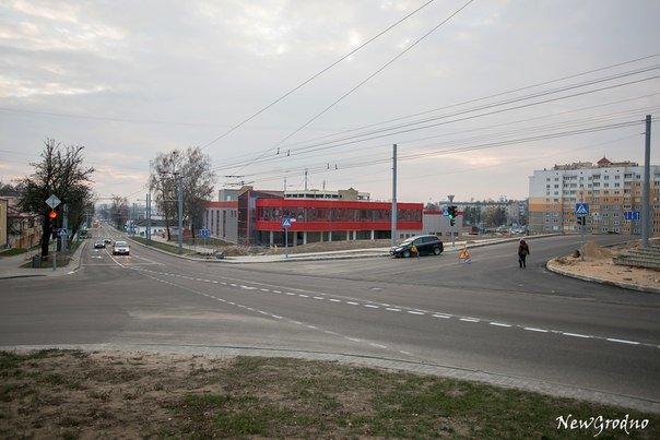 Вотофакт: в Гродно на перекрестке улиц Дзержинского и Терешковой возникла путаница из-за новой разметки (фото) - фото 2