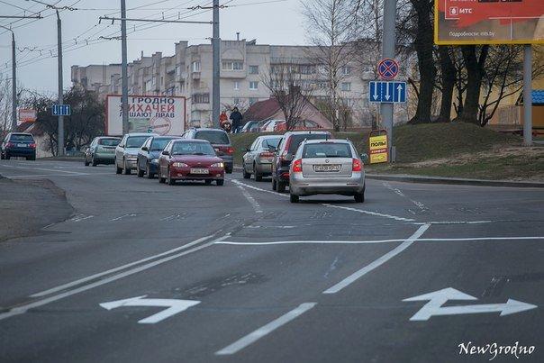 Вотофакт: в Гродно на перекрестке улиц Дзержинского и Терешковой возникла путаница из-за новой разметки (фото) - фото 3