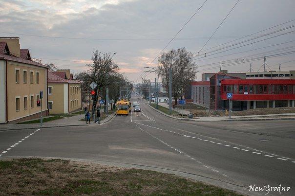 Вотофакт: в Гродно на перекрестке улиц Дзержинского и Терешковой возникла путаница из-за новой разметки (фото) - фото 6