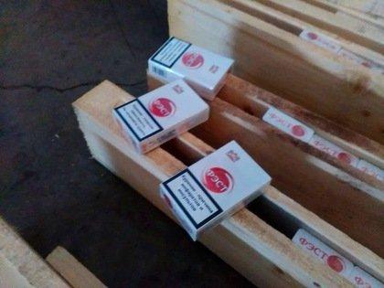 З Тернополя у Прагу намагались вивезти цигарки під виглядом звичайних дощок (фото) (фото) - фото 2
