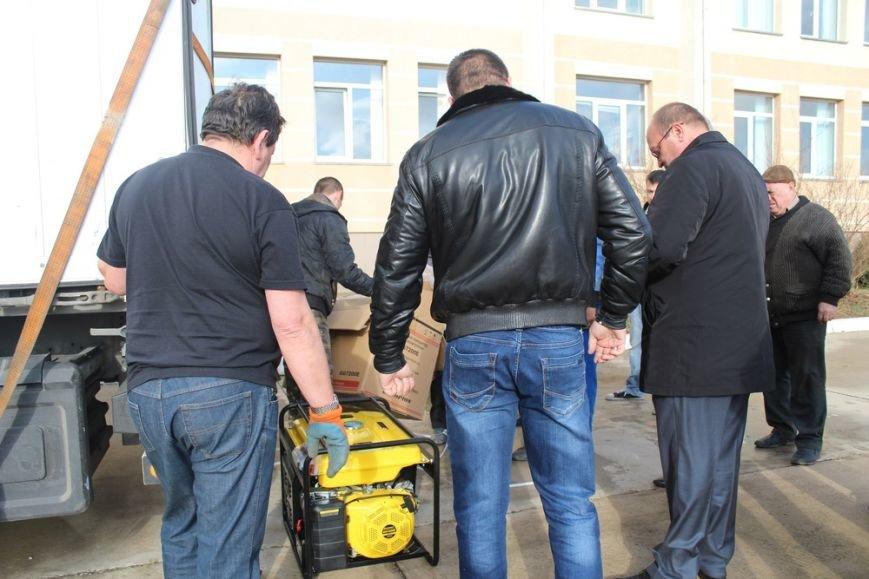 В Симферополь прибыло 80 бензиновых генераторов из Санкт-Петербургаю Их раздадут ветеранам и в частные дома (ФОТО) (фото) - фото 3
