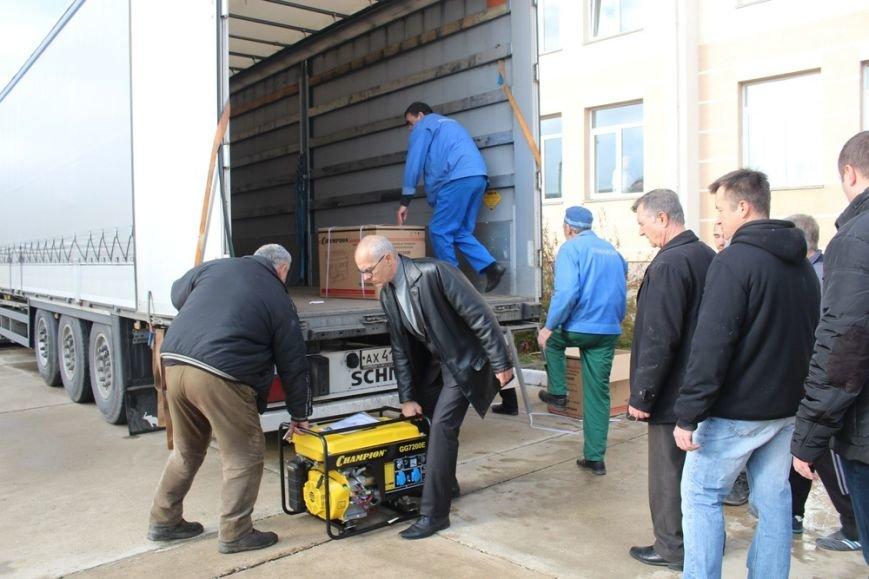 В Симферополь прибыло 80 бензиновых генераторов из Санкт-Петербургаю Их раздадут ветеранам и в частные дома (ФОТО) (фото) - фото 2