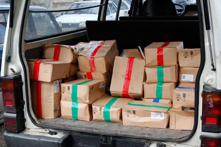 Крымские ополченцы в рамках акции раздали симферопольцам более 3 тысяч свечей (ФОТО), фото-3