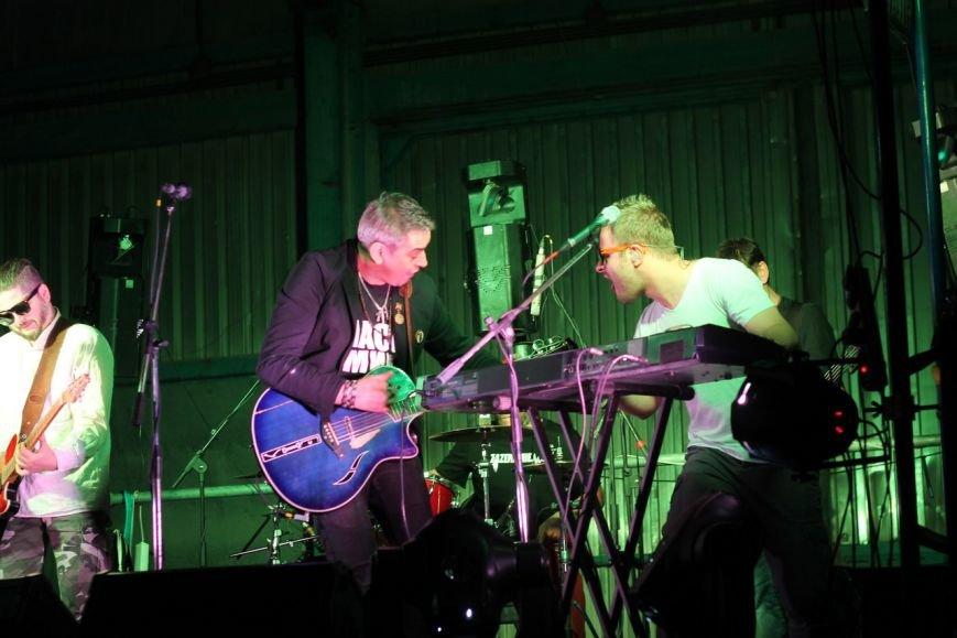 Рок-группа «7Б» отыграла в Симферополе концерт, несмотря на проблемы со светом (ФОТО, ВИДЕО), фото-1
