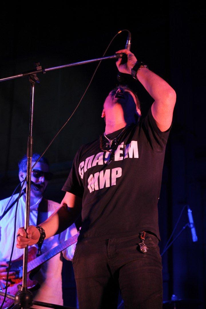 Рок-группа «7Б» отыграла в Симферополе концерт, несмотря на проблемы со светом (ФОТО, ВИДЕО) (фото) - фото 5