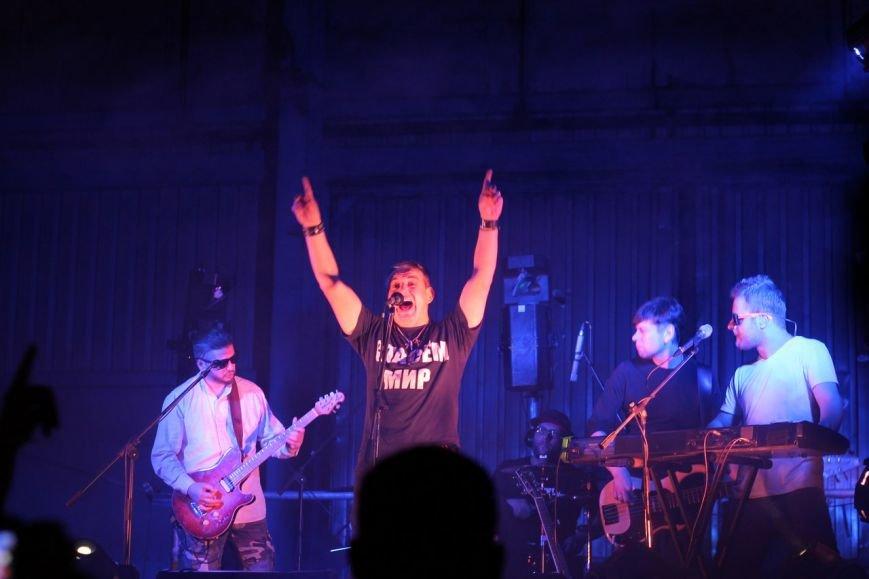 Рок-группа «7Б» отыграла в Симферополе концерт, несмотря на проблемы со светом (ФОТО, ВИДЕО), фото-2
