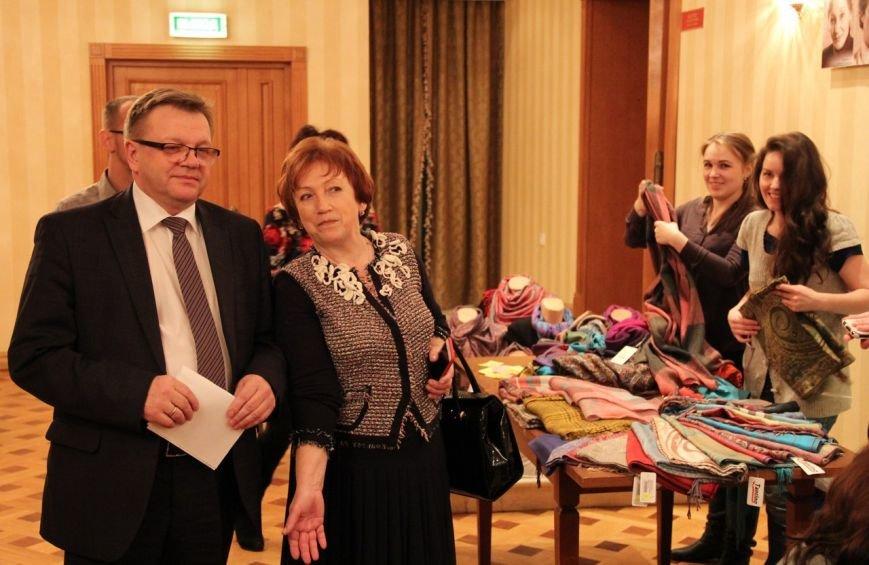 «Женщины Сыктывкара» провели День матери в театре драмы, фото-3
