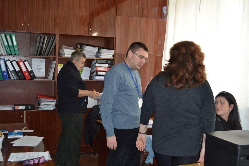 Члены горизбиркома сегодня предупредят местные политсилы о необходимости внесения новых кандидатур в состав районных комиссий (ФОТО), фото-5