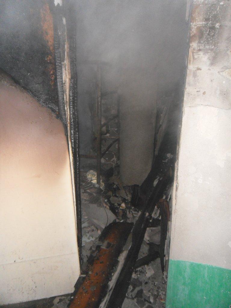 В днепродзержинской многоэтажке на проспекте 50 лет СССР случился пожар, фото-1