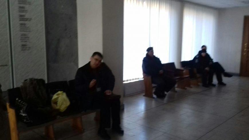 В Кривом Роге препятствуют работе горизбиркома (ФОТО) (фото) - фото 1