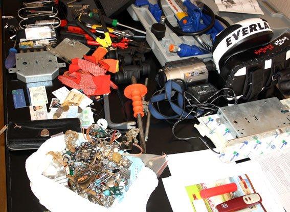 На Полтавщині розшукують власників викрадених речей (фото) - фото 6