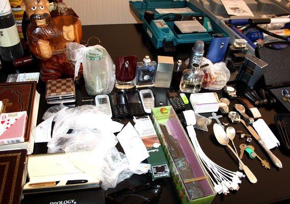 Придивіться, можливо це вкрали у вас: Кременчуцька поліція встановлює жертв квартирних злодіїв (фото) - фото 7