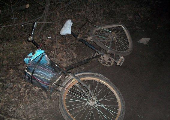 В Кировоградской области автомобиль сбил велосипедистку и пытался скрыться. ФОТО (фото) - фото 1