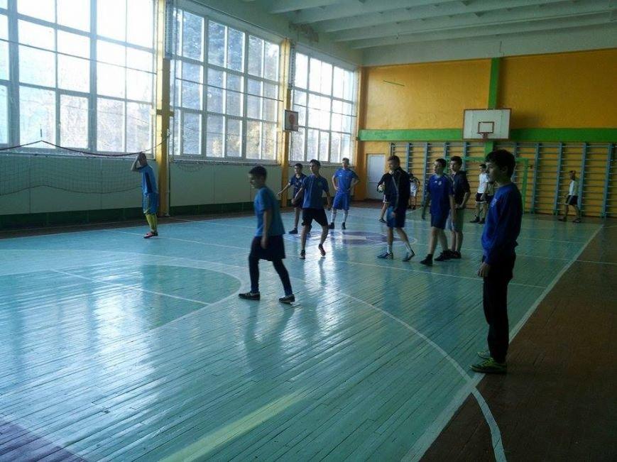 В Днепропетровске проходят бесплатные соревнования по мини-футболу для детей и молодёжи (ФОТО) (фото) - фото 4
