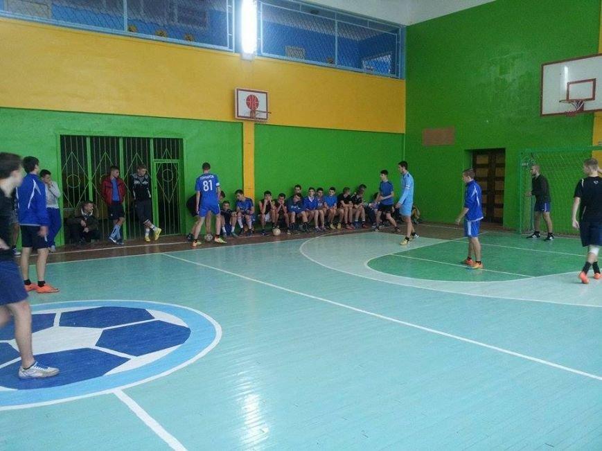 В Днепропетровске проходят бесплатные соревнования по мини-футболу для детей и молодёжи (ФОТО) (фото) - фото 2