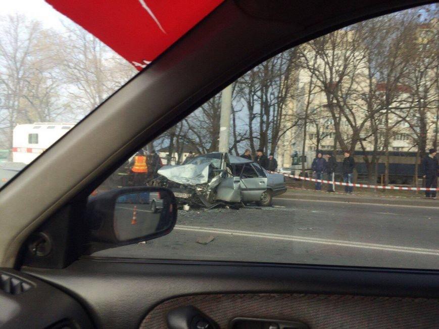 В Одессе на выезде на Киевскую трассу «лобовуха» заблокировала движение (ФОТО) (фото) - фото 1