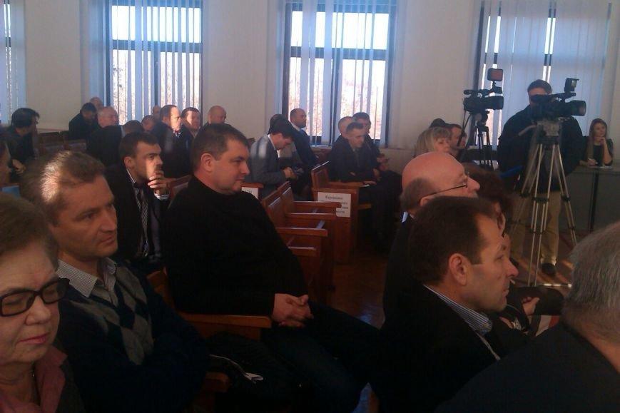 Днепродзержинские депутаты приняли Регламент горсовета VII созыва (фото) - фото 1