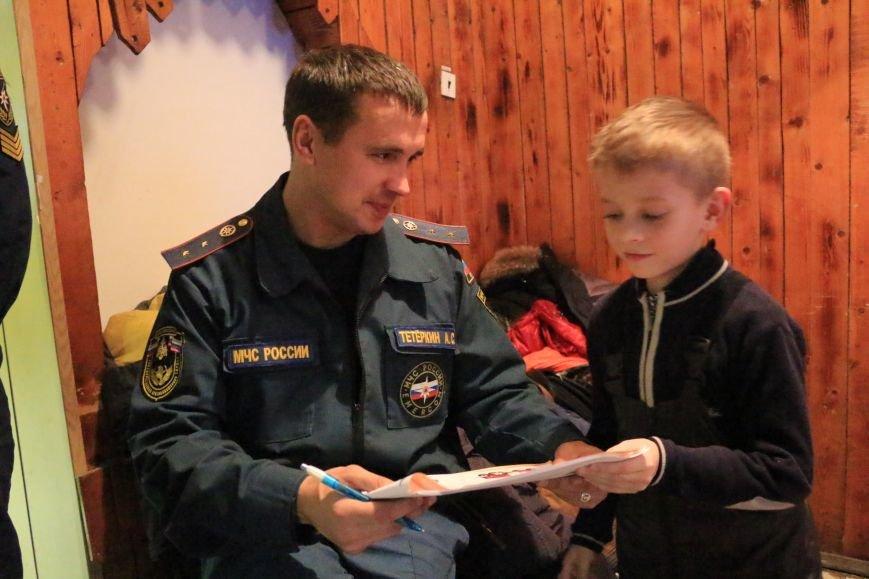 В Новой Москве учащиеся гимназии из Троицка уже поздравили спасателей ТиНАО с 25-летием МЧС (ФОТО), фото-6