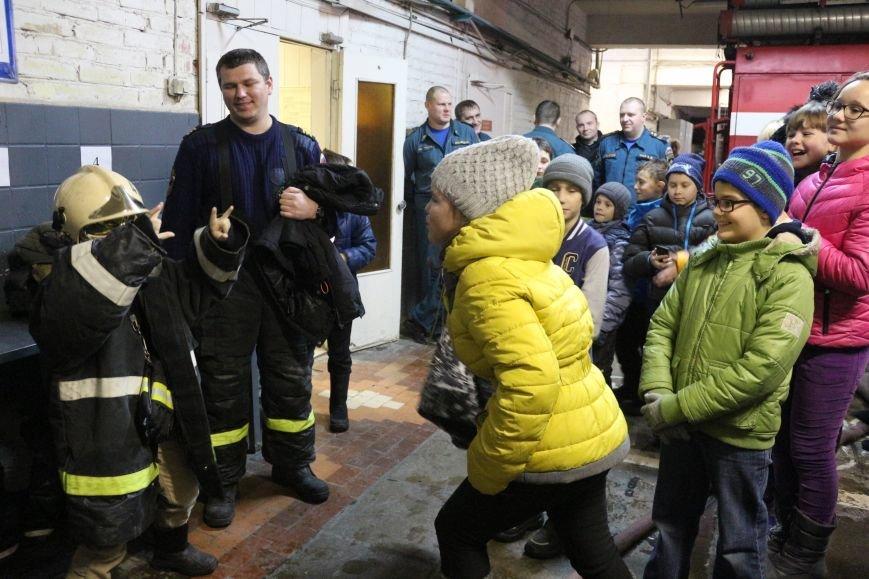 В Новой Москве учащиеся гимназии из Троицка уже поздравили спасателей ТиНАО с 25-летием МЧС (ФОТО), фото-5