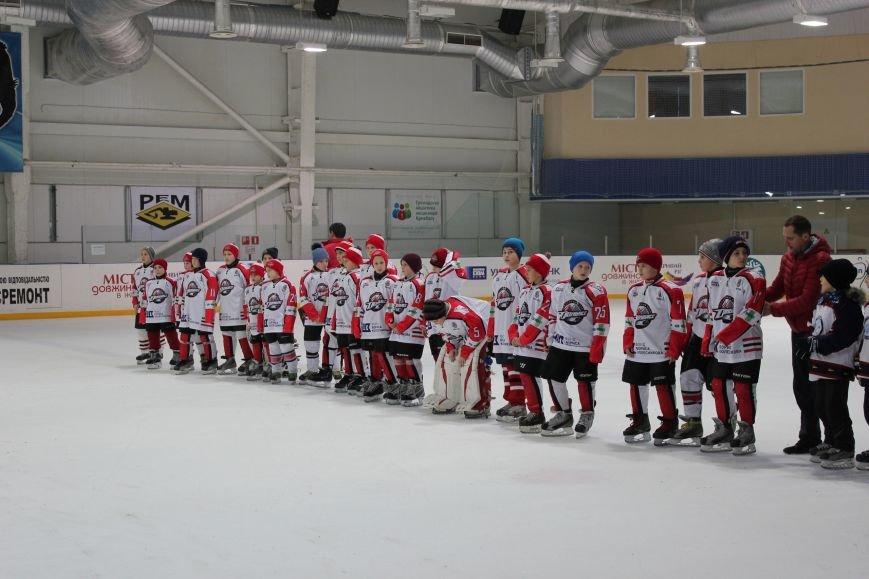 Хоккейное противотояние «Кривбасса» с «Донбассом» закончилось победой криворожан (ФОТО) (фото) - фото 1
