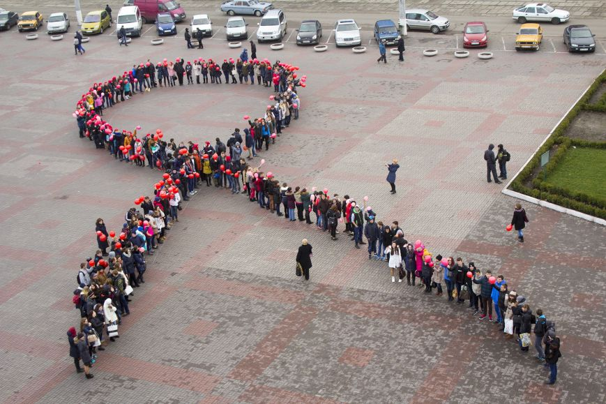 Студенты Днепродзержинска провели акцию «Молодежь против СПИДа», фото-3