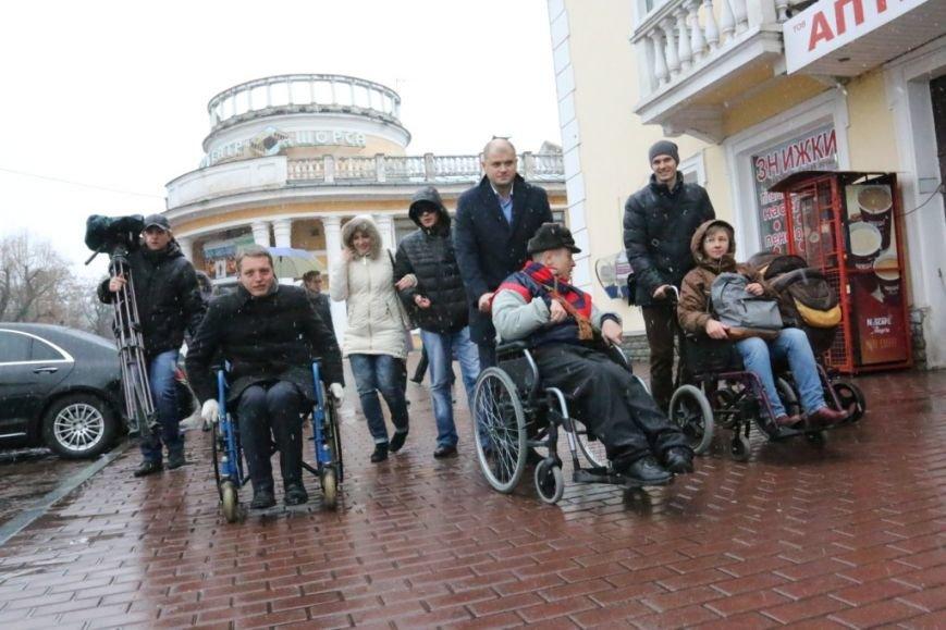 Новоизбранные депутаты почувствовали себя инвалидами, фото-3