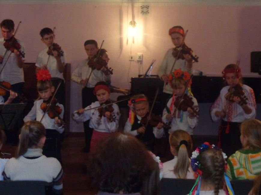 В Красноармейской музыкальной школе прошел яркий концерт, приуроченный ко Дню рождения Николая Леонтовича (фото) - фото 3