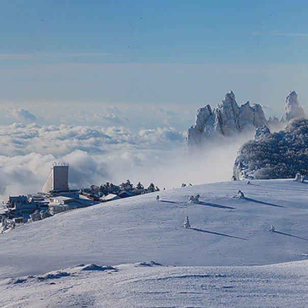 Снежная сказка на Ай-Петри: вершина горы оделась в снежную шубку (фото) - фото 1
