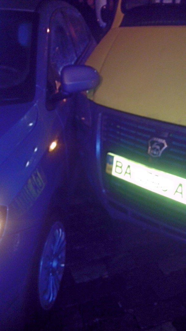 В Кировограде произошло ДТП: маршрутка столкнулась с легковым автомобилем. ФОТО (фото) - фото 1