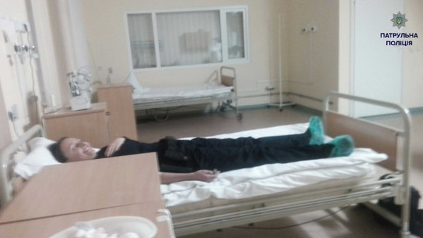У Львові поліцейські здали кров, аби врятувати життя людині (ФОТО) (фото) - фото 1