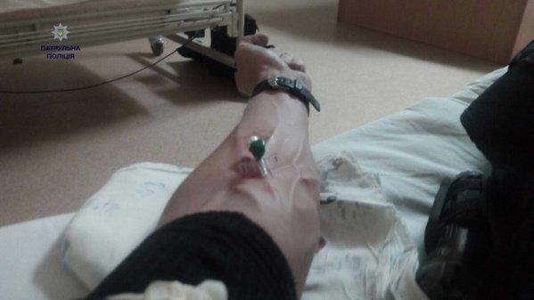 У Львові поліцейські здали кров, аби врятувати життя людині (ФОТО) (фото) - фото 2