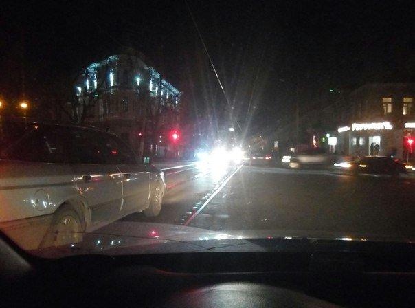 Перепутали: В Одессе днем включают уличное освещение, а ночью выключают (ФОТО) (фото) - фото 1
