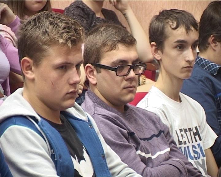 В Армавире прошел круглый стол «Экстремизм в молодежной среде» (фото) - фото 1