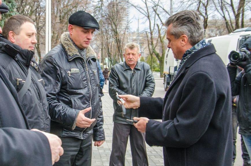 Коммунальщикам Днепродзержинска подарили уборочную машину, фото-2