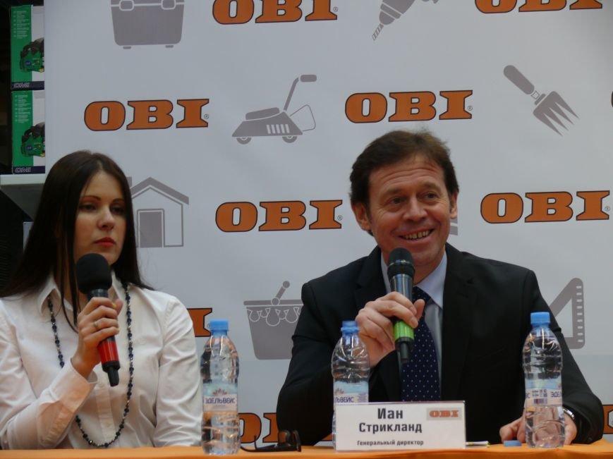 В Брянске появился гигантский магазин для садоводов и строителей (фото) - фото 16