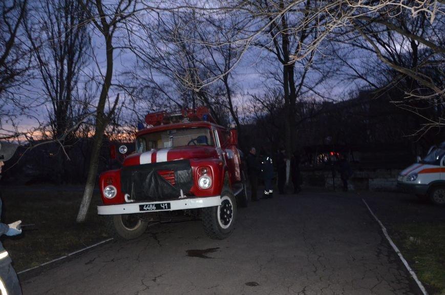 В Мариуполе спасатели тушили пожар в ПГТУ. Спасено 2 студента (ФОТО+ВИДЕО), фото-6