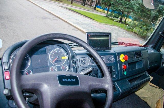 Улицы Никополя будет убирать новый спецавтомобиль, фото-3