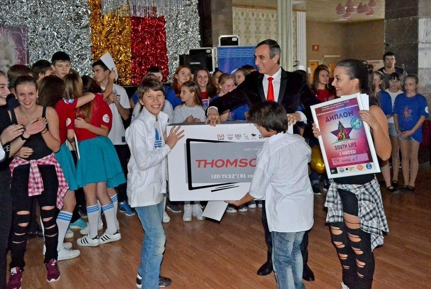Ялтинские школьники поборолись за звание «лучшая танцевальная команда» (фото) - фото 2