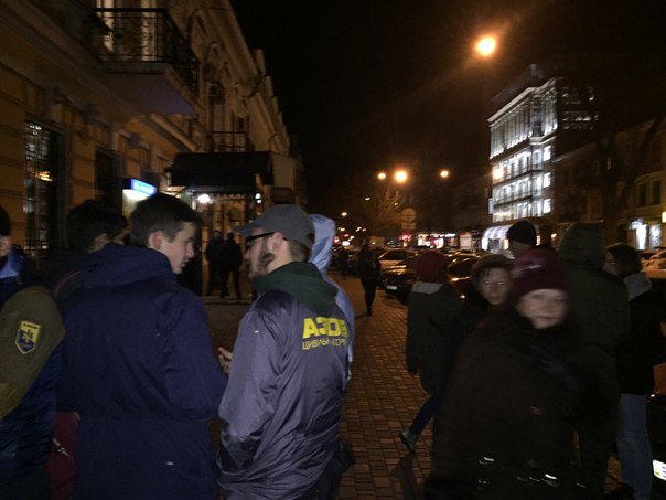 5eb7746d6a41d4741c484dc2b14eb788 Битва за орлов: одесский «Азов» защищал птиц и от эксплуататоров, и от полиции