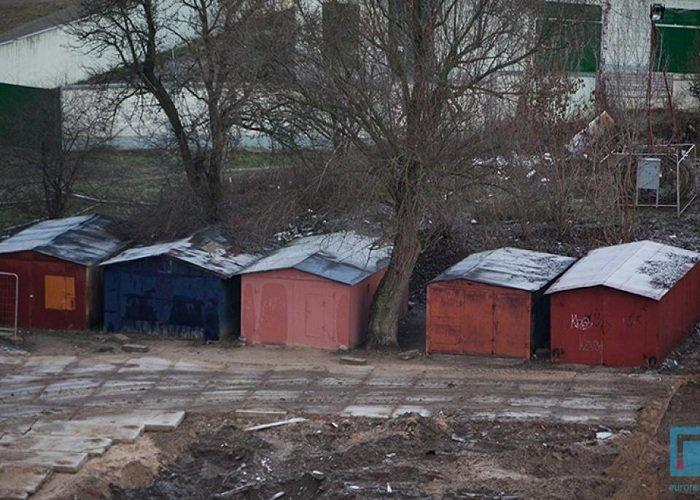 Фоторепортаж: в Гродно на улицах Татарская и Комбайнерская сносят частные постройки (фото) - фото 4
