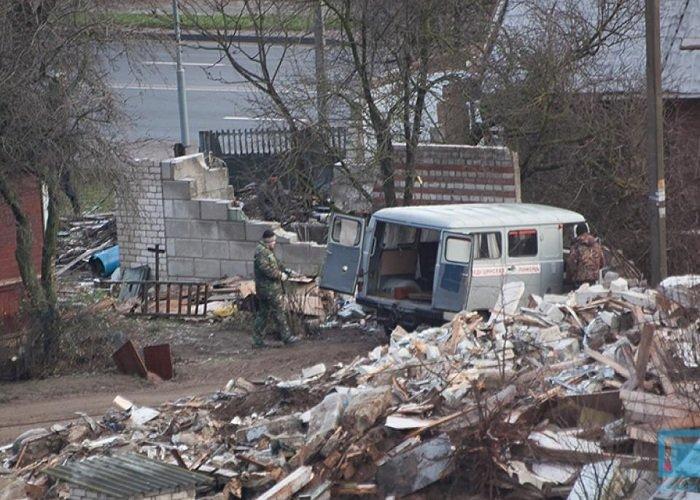 Фоторепортаж: в Гродно на улицах Татарская и Комбайнерская сносят частные постройки (фото) - фото 5