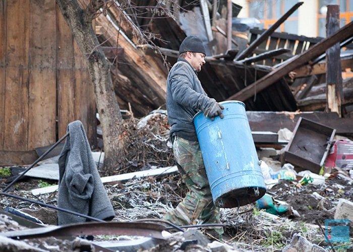 Фоторепортаж: в Гродно на улицах Татарская и Комбайнерская сносят частные постройки (фото) - фото 8