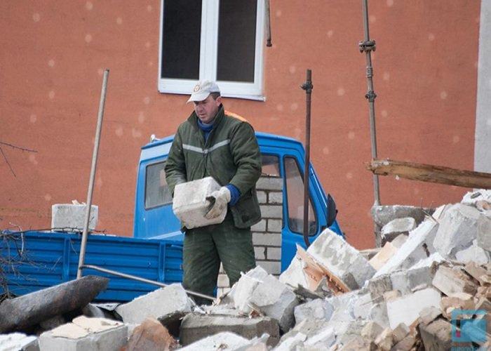 Фоторепортаж: в Гродно на улицах Татарская и Комбайнерская сносят частные постройки (фото) - фото 9